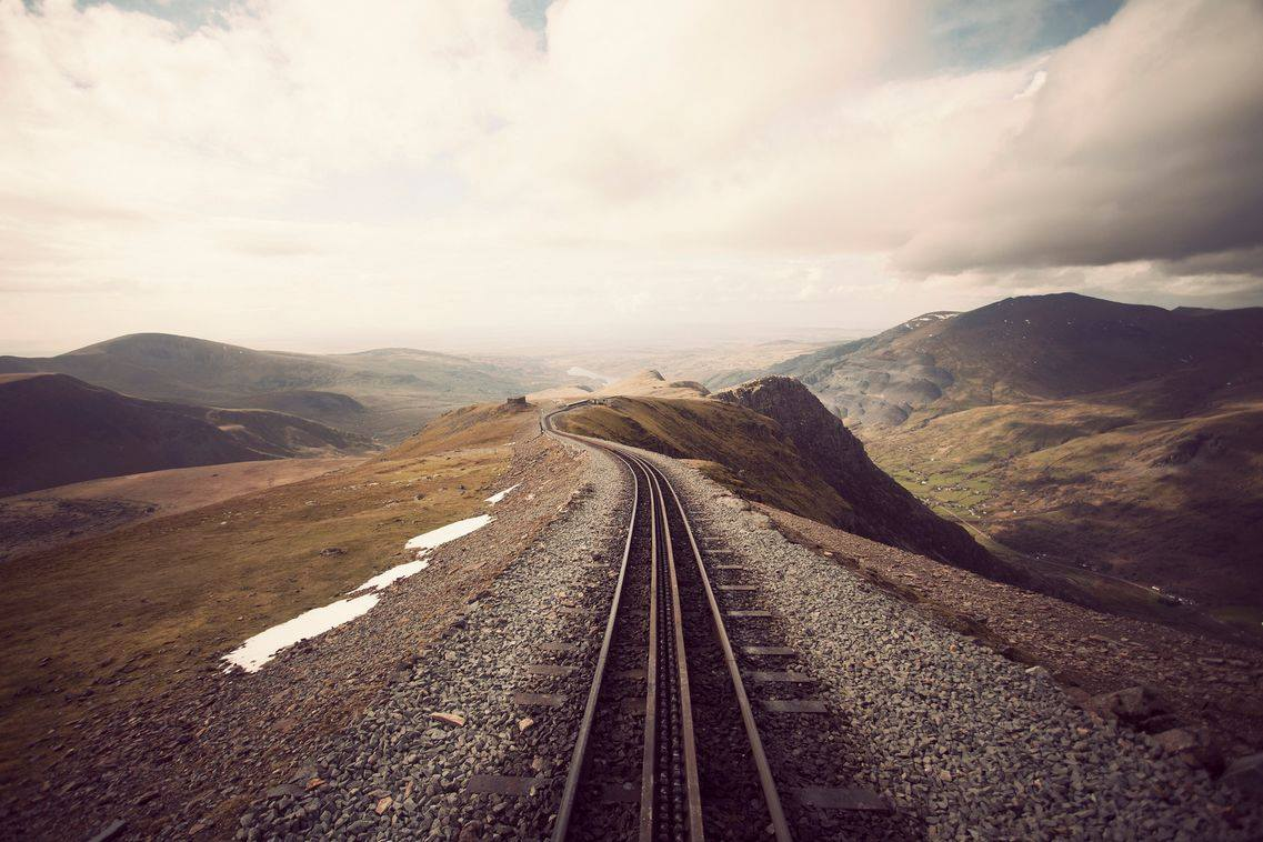RAILWAY TRACK FOR NEW PERSPECTIVES